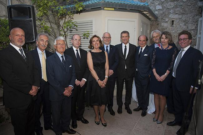 L'ambasciatore, Telles e gli ospiti