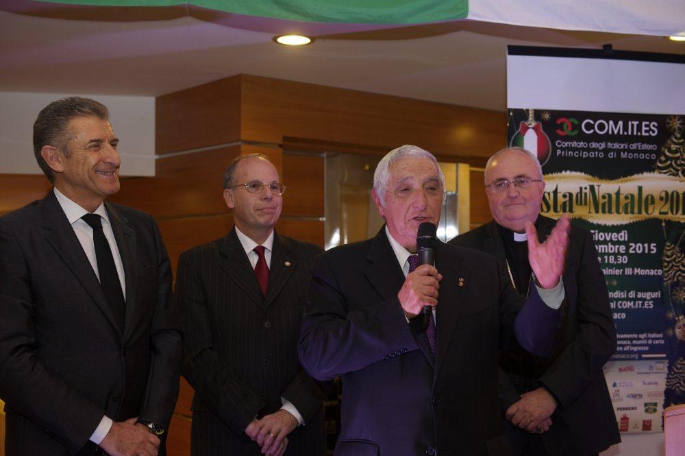 Ezio Greggio, l'ambasciatore Lavezzo, il segretario di stato Jacques Boisson e Mons. Barsi