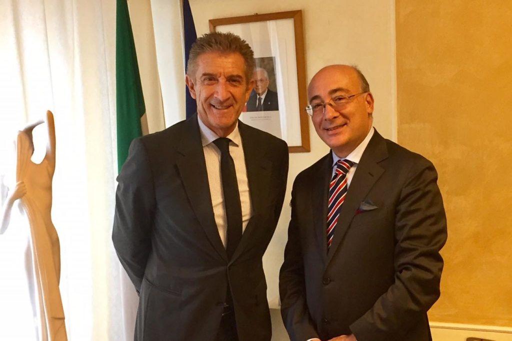 Ezio Greggio con l'Ambasciatore S.E. Cristiano Gallo