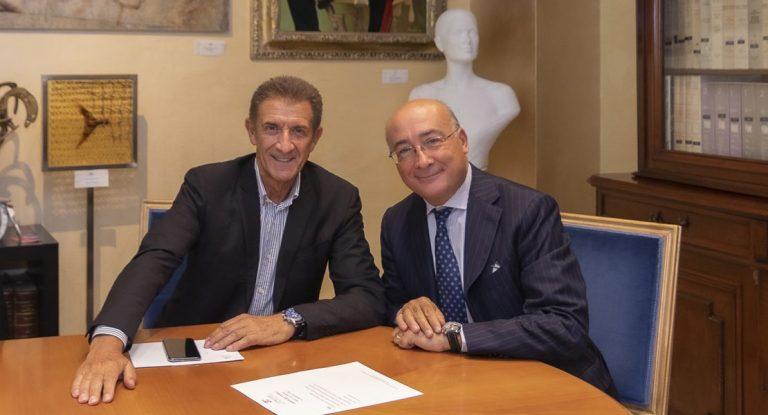 Ezio Greggio e S.E. l'ambasciatore Italiano Cristiano Gallo