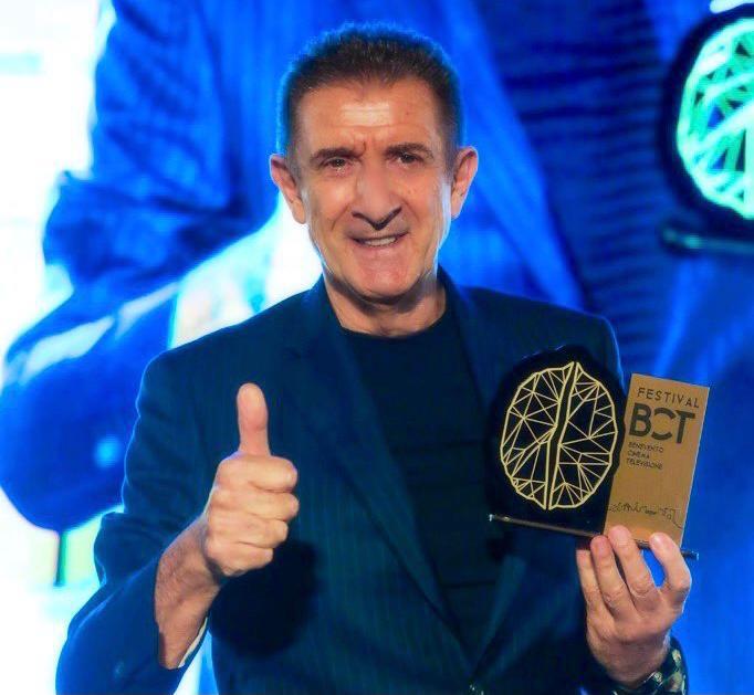 Ezio riceve il premio al Benevento Cinema Televisione Festival
