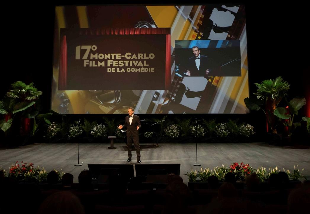 Ezio sul Palco del Grimaldi Forum al Gala di premiazione