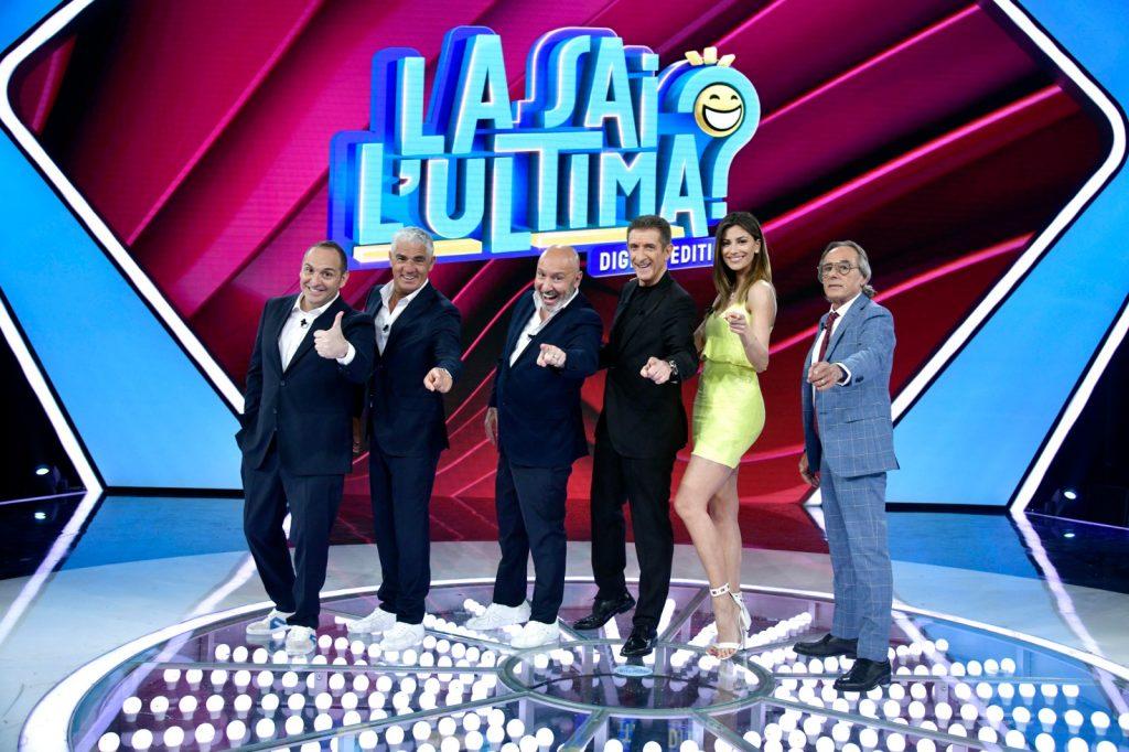 La squadra di La sai l'Ultima: Scintilla, Izzo, Battista, Greggio, Romina e Formicola