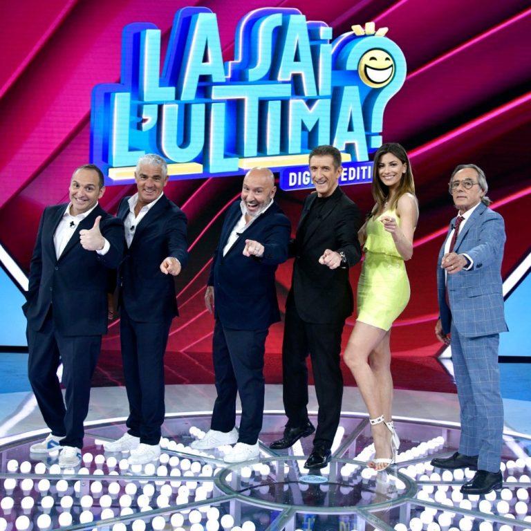 La squadra di La sai l Ultima Scintilla Izzo Battista Greggio Romina e Formicola 1x1 1