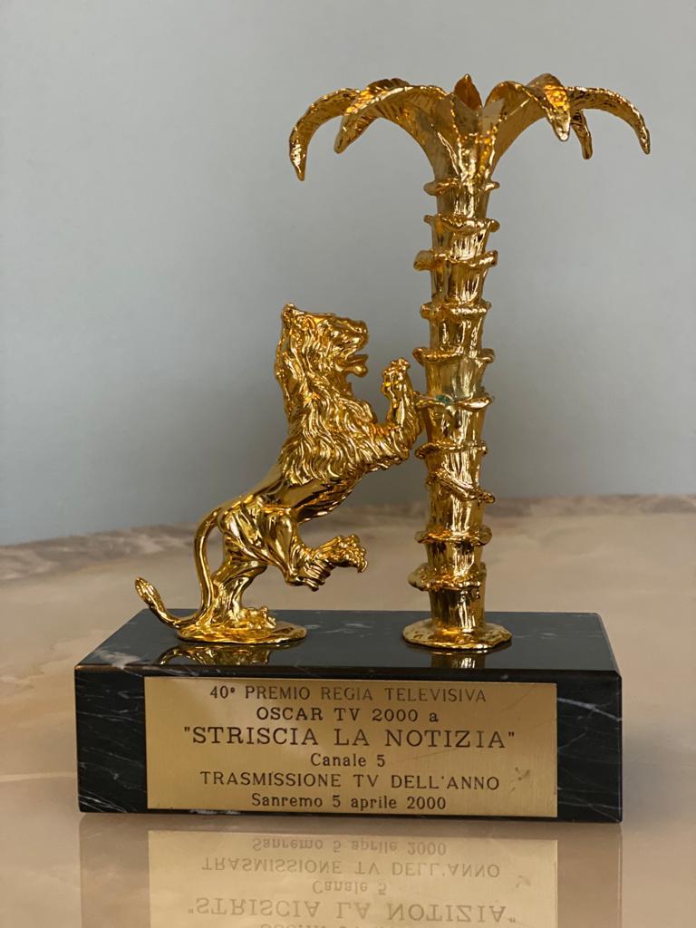 """Oscar Tv """"Striscia la Notizia"""" trasmissione dell'anno , San Remo 5 aprile 2000"""