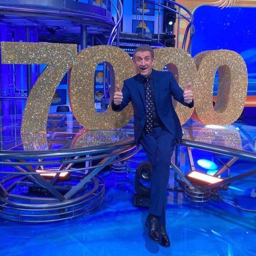 ezio puntata 7000 striscia la notizia